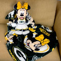 Packers Minnie Mouse Cloud Pal with Throw Blanket